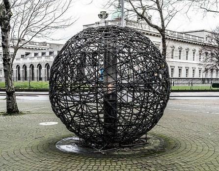 Human-Rights-Sculpture3